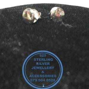 925 Sterling Silver Earring - Stunning Silver Round Flat Stud Earrings - 1 pair Prices Excludes National delivery to your door at a nominal fee.