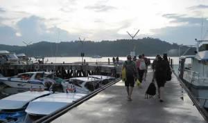 Thap Lamu Pier