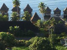 1. Hotel mit Wasserbungalow