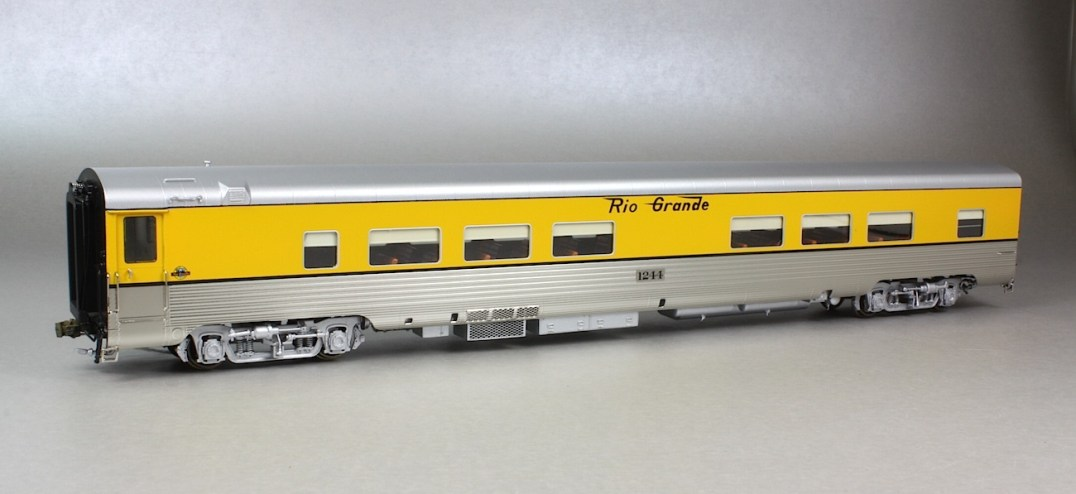 Rio Grande lightweight passenger cars
