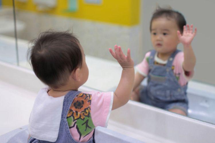 Le bilinguisme permettrait aux bébés d'apprendre plus vite
