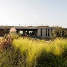 مركز الشيخ نهيان للدراسات العربية