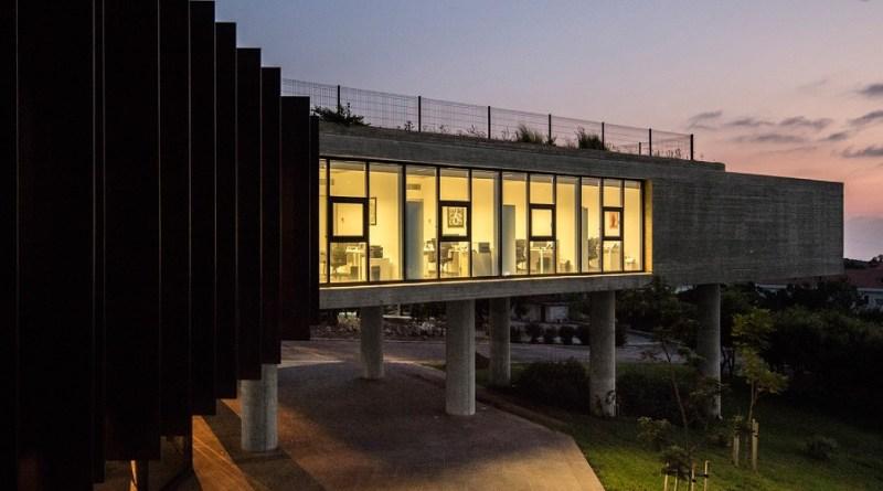مركز الشيخ نهيان للدراسات العربية وحوار الحضارات
