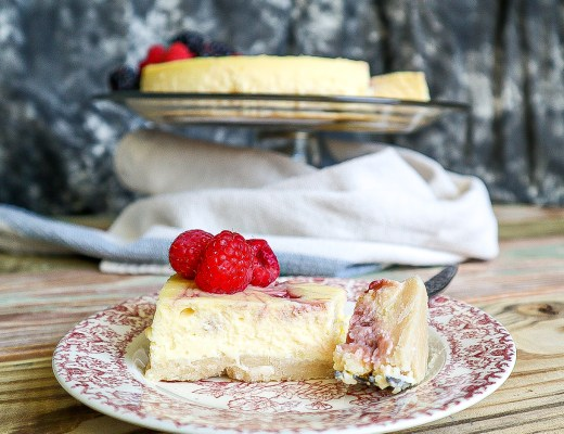 Raspberry White Chocolate Cheesecake | Dixie Chik Cooks