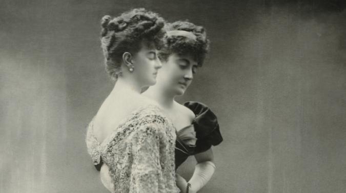 Otto Wegener - La comtesse de Greffhule,  dubbelexponerad, ca 1900  Wikicommons)