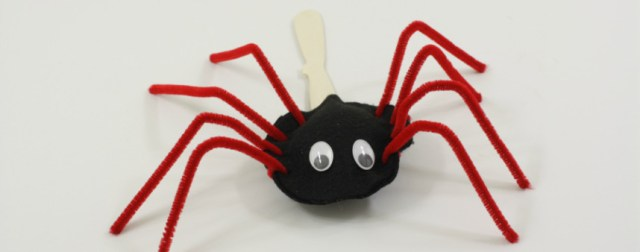 Cutest little stick spider puppet. An easy to make craft by DIY Crush