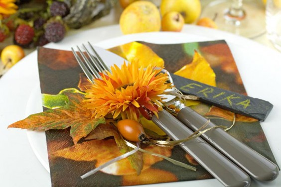 Spruce Up Your Festive Fall Table With Fancy Napkin Decor