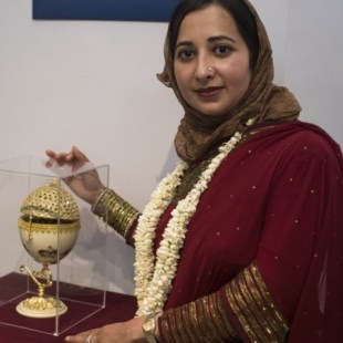 Farha Sayeed hosts 'Egg-Stravaganza' in Chicago