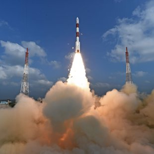 India Launch 104 Satellites from a Single Rocket