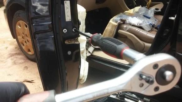 Replacement of driver door actuator 2003 Accord