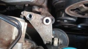Changing passenger side engine mount on 2003 - 2007 Accord