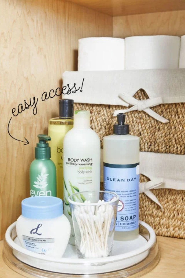 These bathroom hacks are absolutely BRILLIANT! I can't wait to get started organizing!