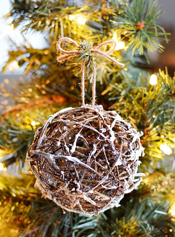 10 rustic christmas tree ornaments you can make yourself diy christmas decorations. Black Bedroom Furniture Sets. Home Design Ideas