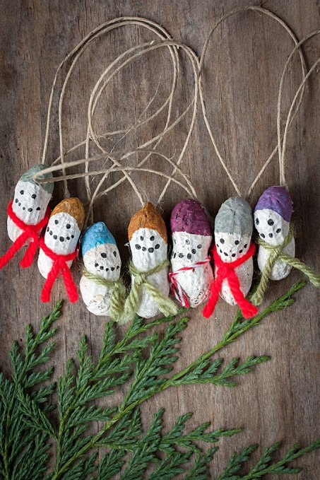 Kids Christmas Crafts - Peanut Snowmen