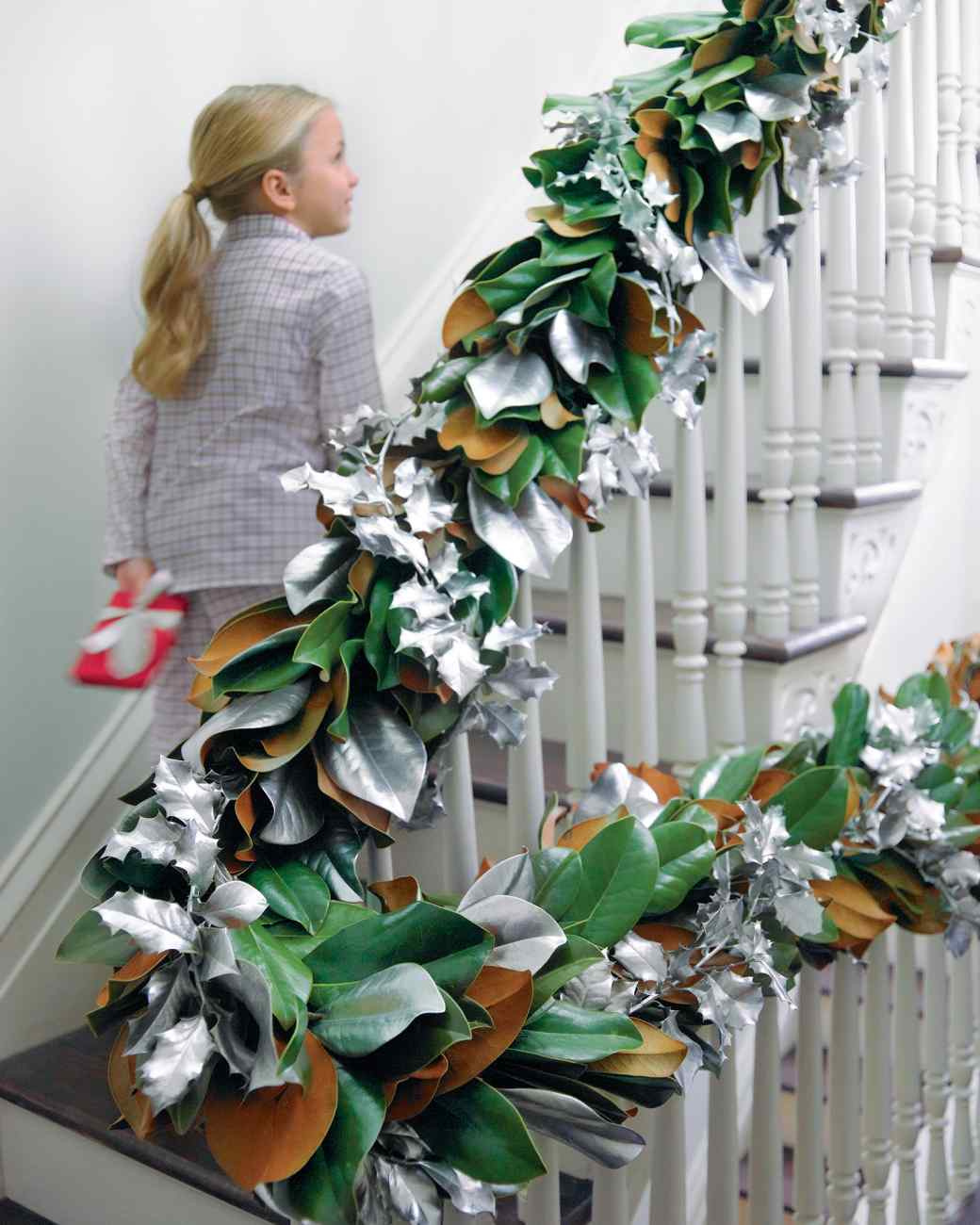 3 Inexpensive Christmas Garlands You Can Make Yourself