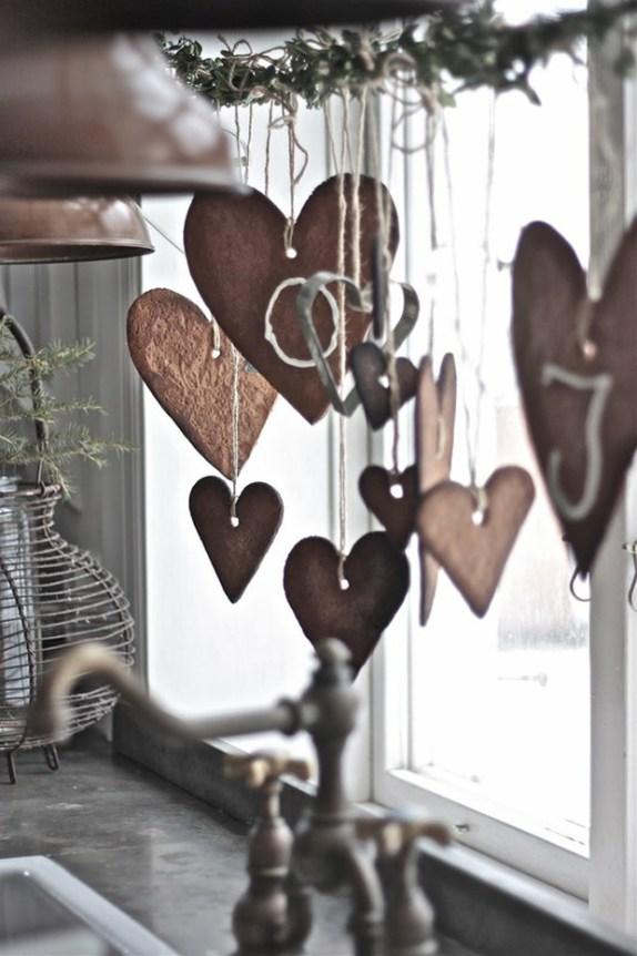 Christmas Widow Decoration Idea - Baubles