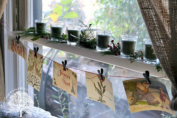 christmas widow decoration idea baubles - Window Sill Christmas Decorations