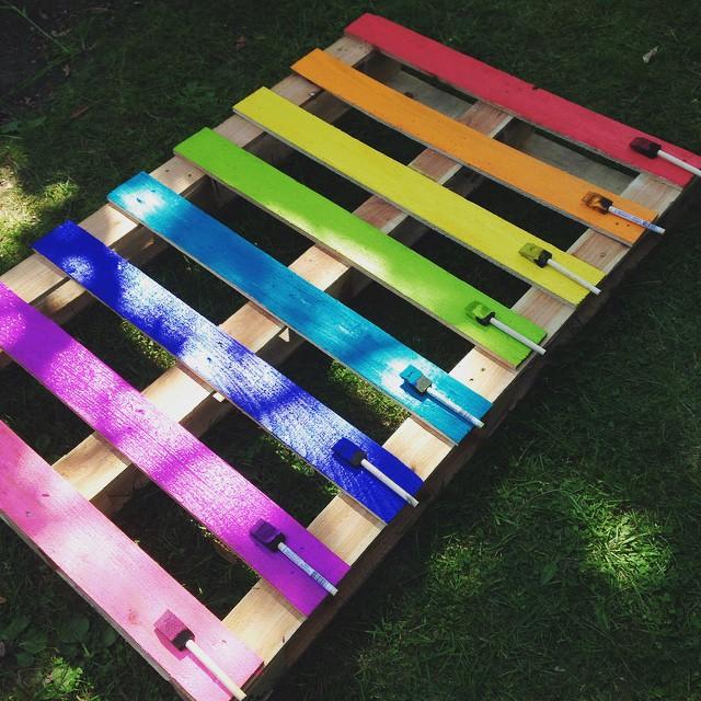 color pallet box planter