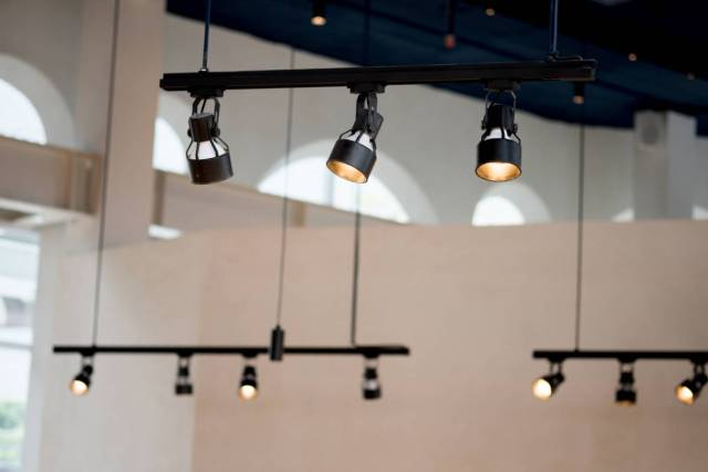 install track lighting home improvement idea