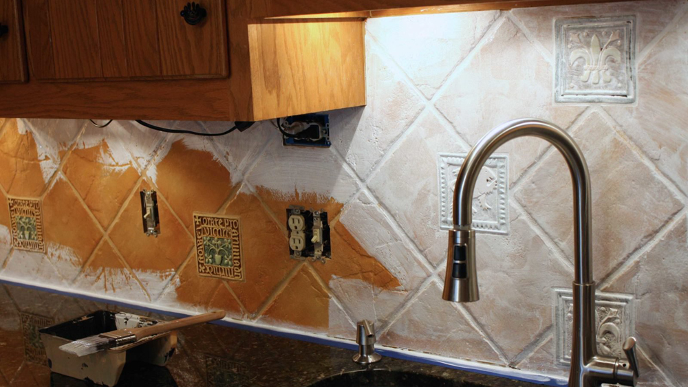 Painting Tiles Painting Over Ceramic Tiles Diy Doctor