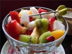 bademli meyve salatası tarifi