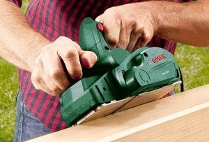 The Bosch PHO 1500 electric hand planer
