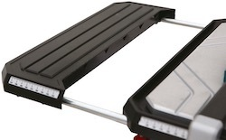 The extension table on the Erbauer ERB337TCB electric tile cutter