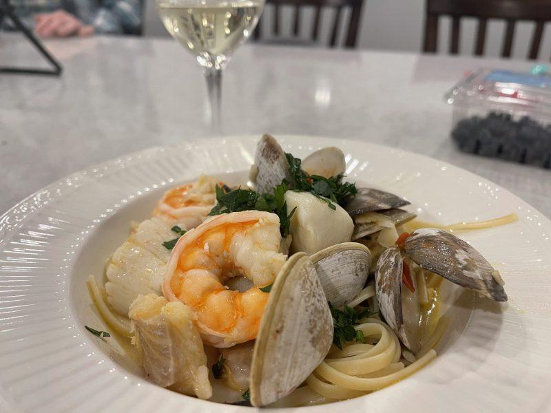 Garlic White Wine Seafood Pasta