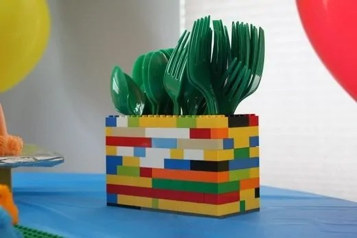 https://i1.wp.com/www.diyinspired.com/wp-content/uploads/2012/10/Lego-Theme-Party-Ideas-5.jpg