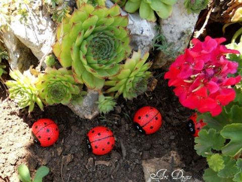 Golf ball ladybugs finished.