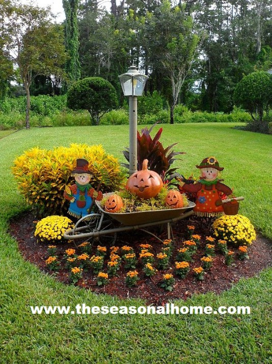 20 DIY Outdoor Fall Decorations That'll Beautify Your Lawn ... on Backyard Decor  id=84861