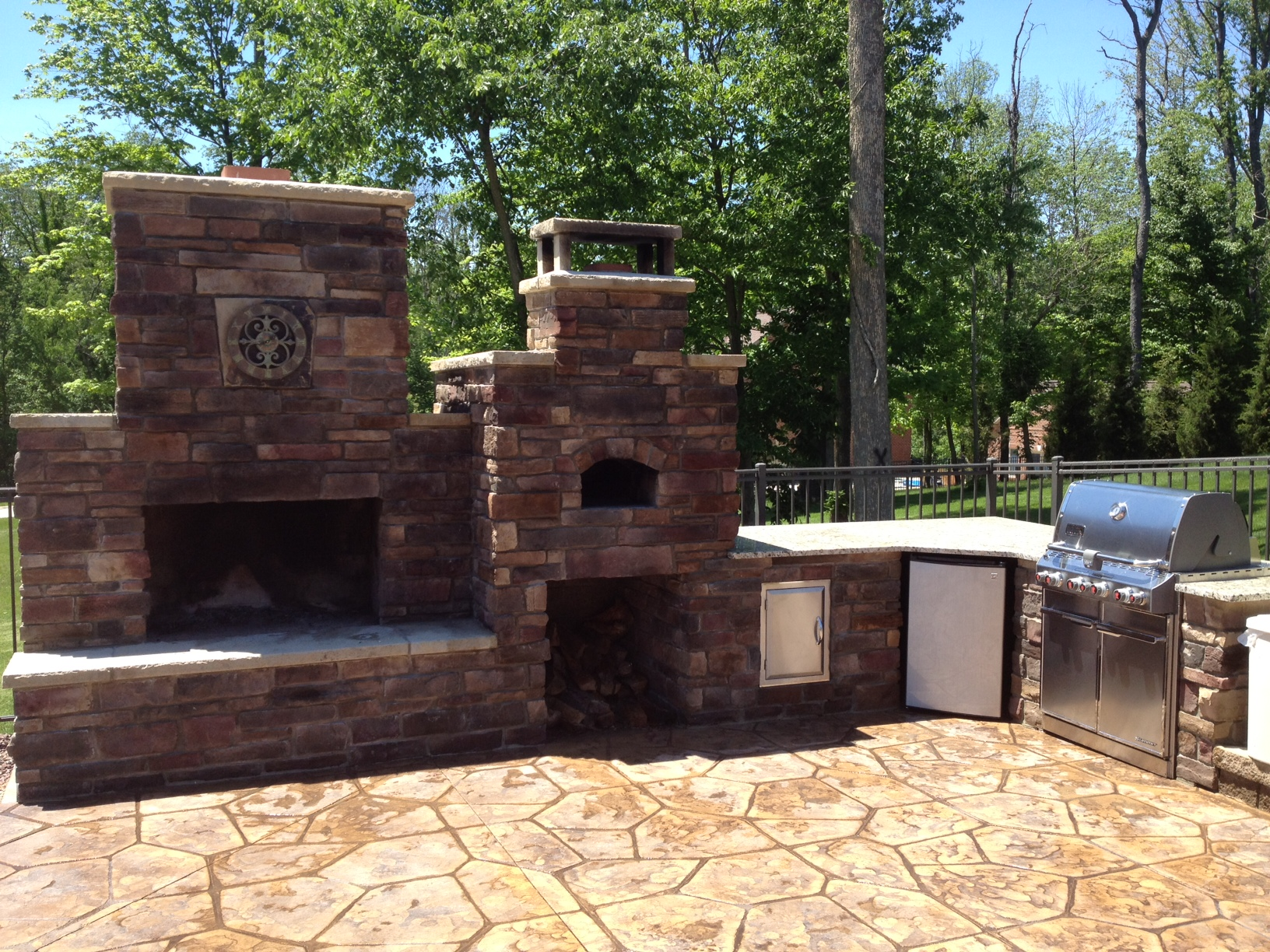 DIY Outdoor Fireplace and Pizza Oven Combos | Your DIY ... on Diy Outdoor Fire  id=22557