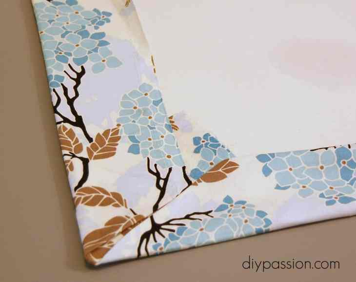 DIY Fabric Kitchen Mat via diypassion.com