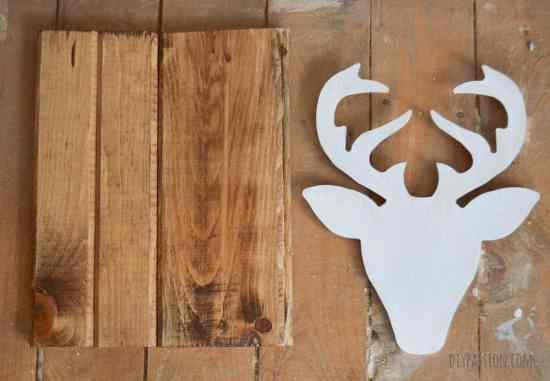 Gel Stain to make reclaimed wood with a deer head wall hanging