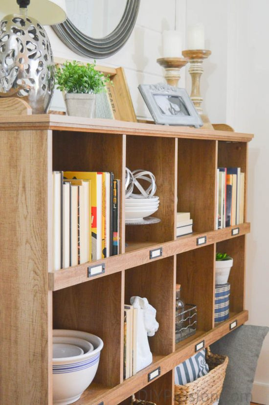 rustic-shelves-with-neutral-farmhouse-decor-how-to-style-a-rustic-bookcase