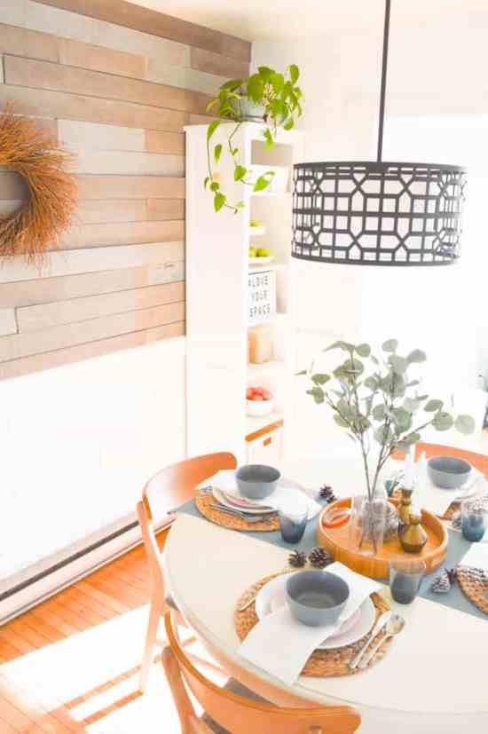 For now lets just look at the gorgeous light and the way that barn board brings everything else in the room into sharp focus