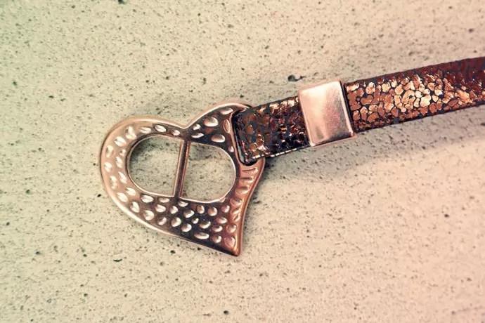 armband från pagoni