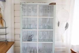 Bygga skåp med gammalt fönster