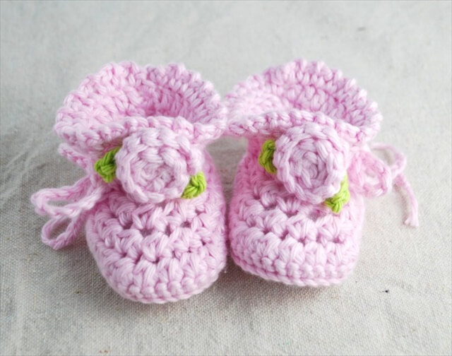 Knitted Booties Crocodile