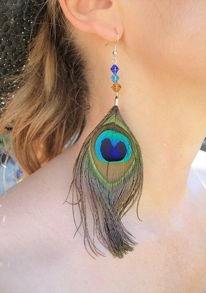 25 DIY Feather Jewelry Design DIY To Make