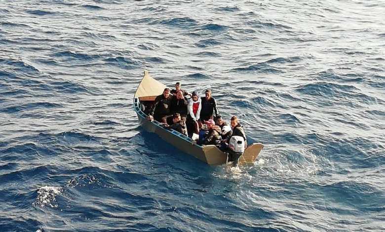 صورة جزائريون عالقون بالخارج يعودون لأرض الوطن عبر قوارب الموت