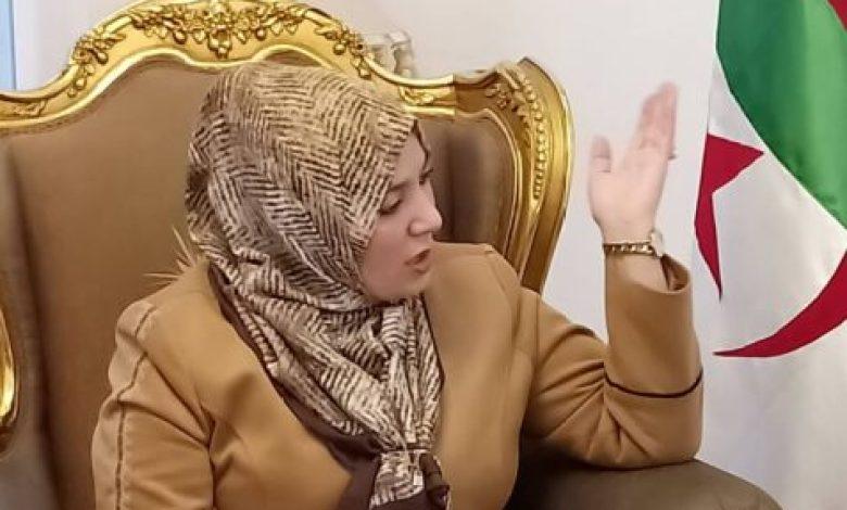 صورة نعيمة صالحي تطالب بإلغاء الشروط التعجيزية لإجلاء الجزائريين