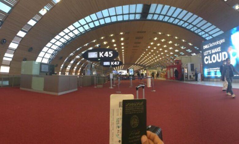 صورة تهديد بالإنتحار وحالات إغماء وسط عالقين عبور مطار ِCDG