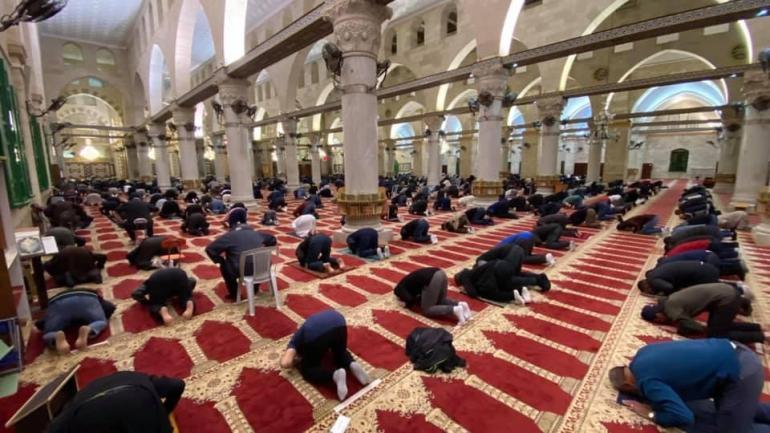 صورة وزارة الشؤون الإسلامية السعودية تغلق 12 مسجدا بسبب إصابات كورونا