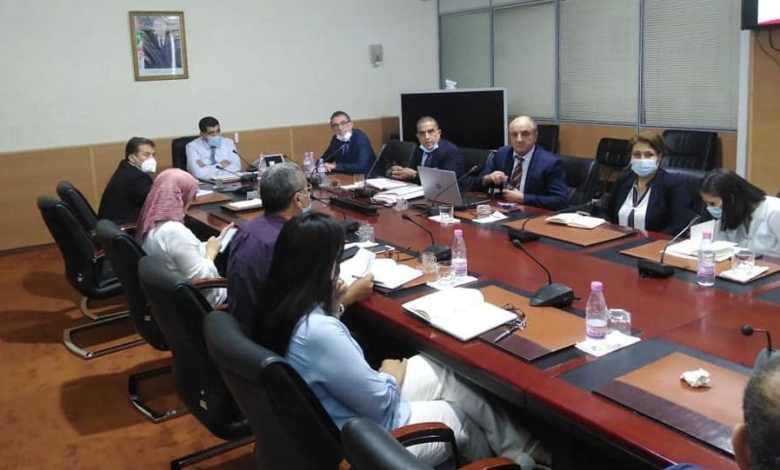 صورة وزير النقل يجتمع بإطارات الخطوط الجوية الجزائرية ويدرس زيادة عدد الرحلات المقترحة من طرفهم