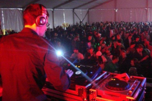 Maskell to headline at Shamrockfest 2010 at RFK Stadium Washington DC! Rain or Shine!