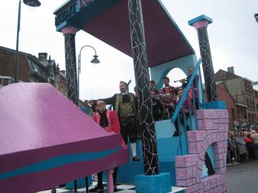 DjoyeuxCooytais-Saison2011-Grease-410