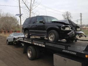 One of the services that should be offered by sell my junk car services is free towing