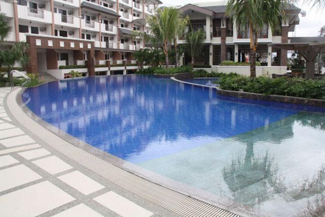 Siena Park Residences Pool