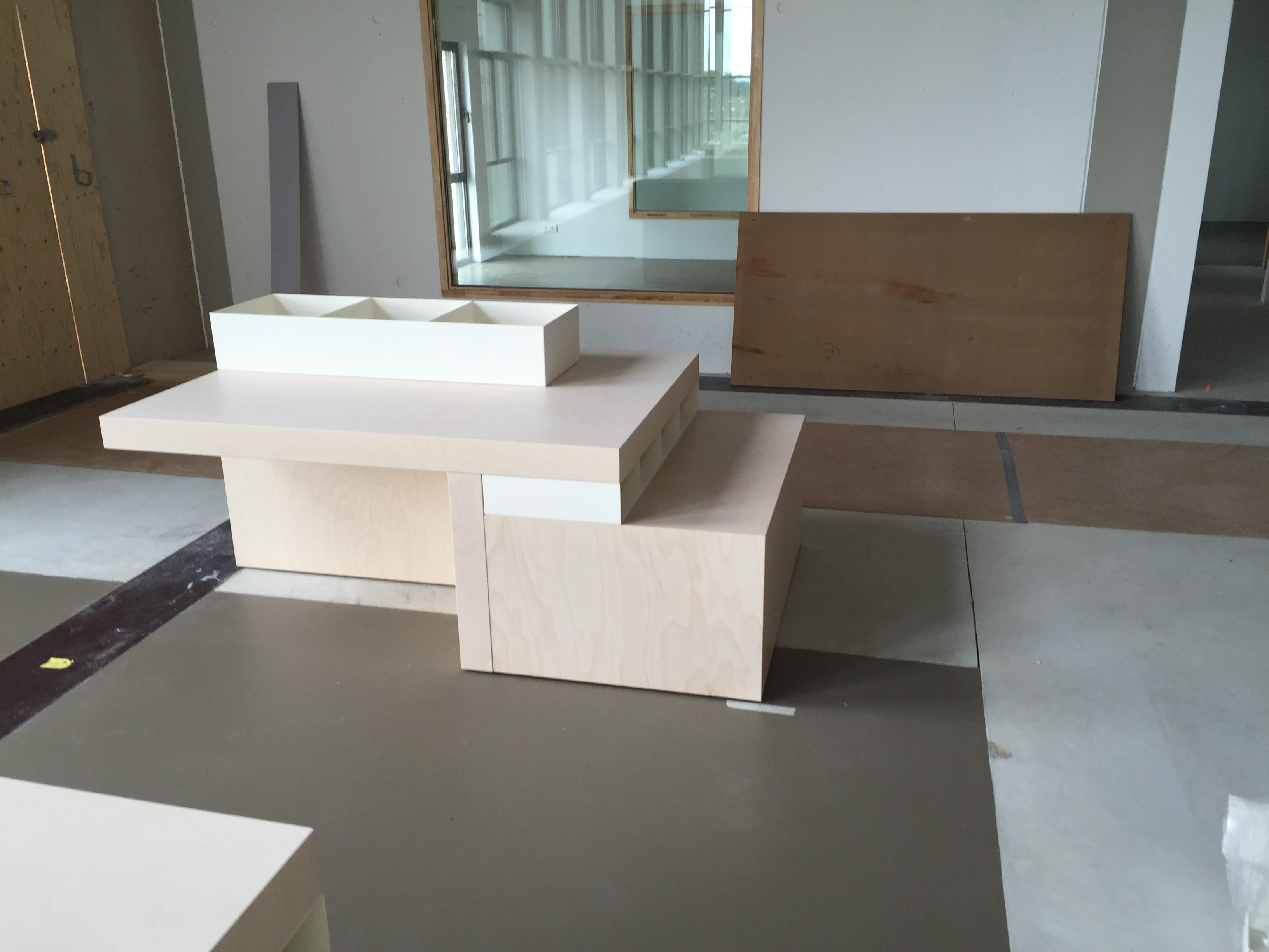 kleine displaytafel - Bibliotheek Ligne Sittard
